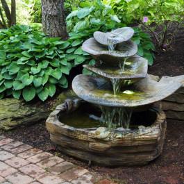 Giant Leaf Fountain
