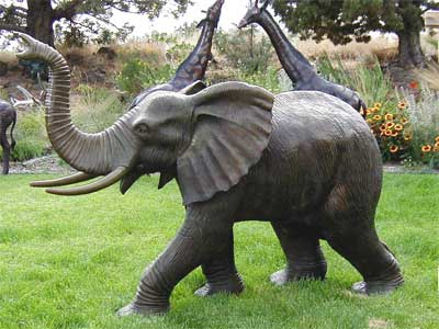 Large Elephant – Trunk Piped