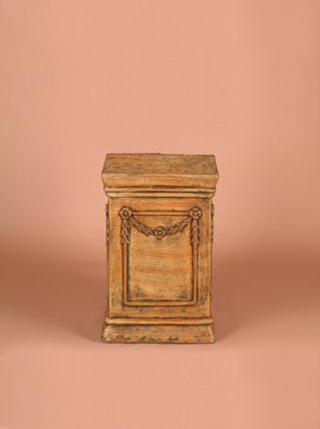 Urn Pedestal