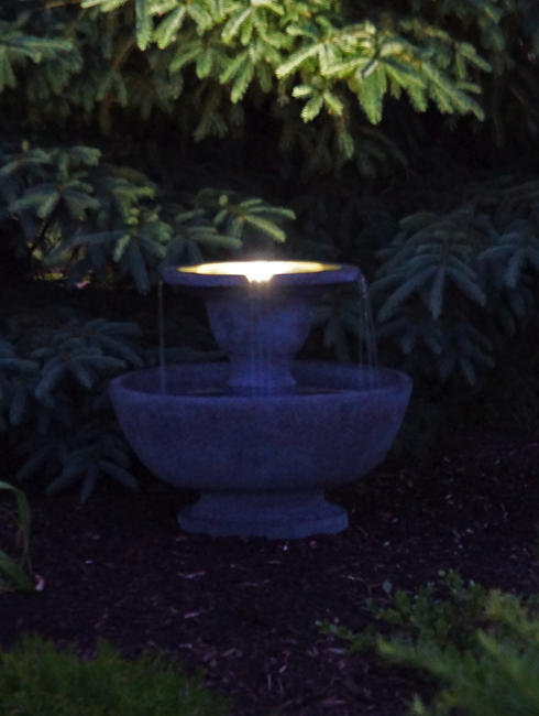 Alfresco Fountain with plume light