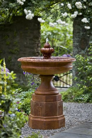 Fontainbleu Fountain