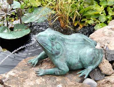 Sitting Frog (Medium)