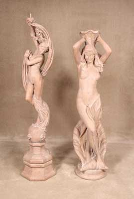 Giulia with Pedestal and Isabella