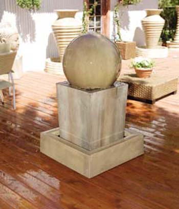 Obtuse Fountain with Ball